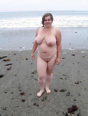 Amateur pics of mature beach babes