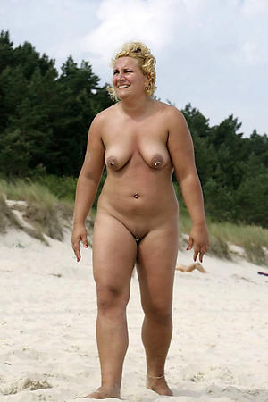 Nude mature beach babes picturesw