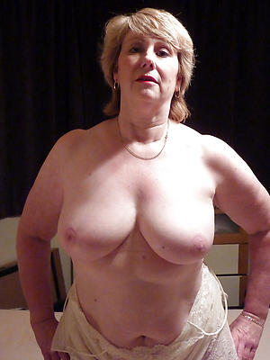 Amateur pics of naked mature white girls