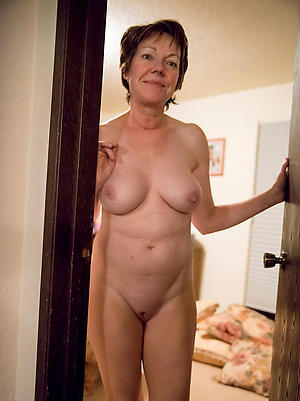 Tiro pics of mature cougar women