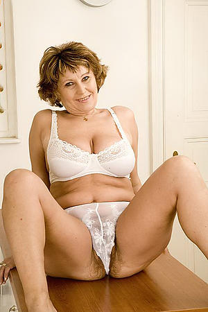 Unadorned german mature xxx photos