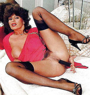 Hot vintage mature squirearchy old bag pics