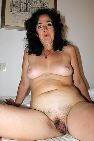 Totally nude mature xxx pussy pics
