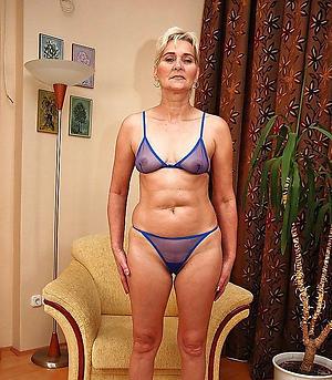 Hornuy mature moms in bikinis