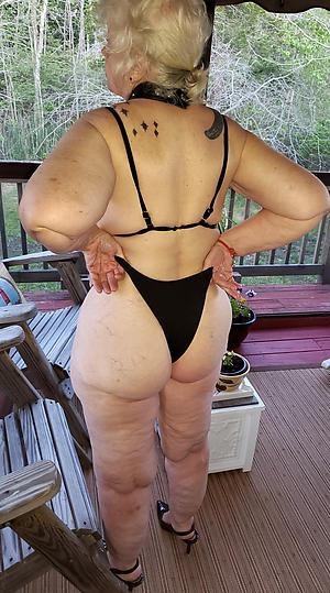 Pretty mature milf bikini