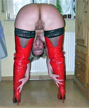 Slutty mature get hitched at hand stockings pics