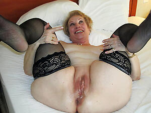 Slutty grown-up woman pussy pictures