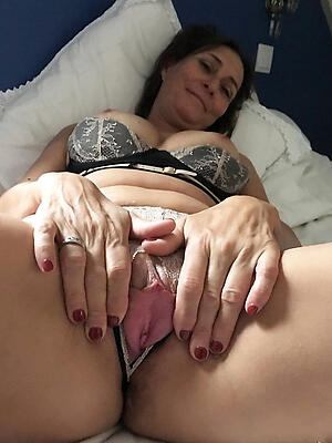 Beautiful mature tight-fisted pussy gallery