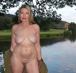 Gorgeous mature elegant nudes pics