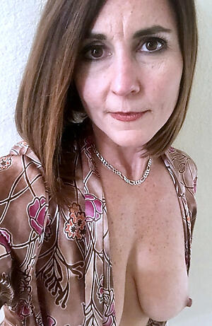Beautiful mature cougar milf pics