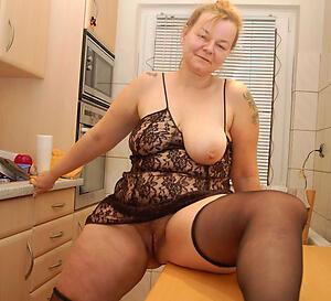 Amateur pics of mature german housewives