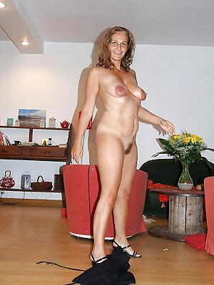 Amateurish mature nude housewives pussy pics