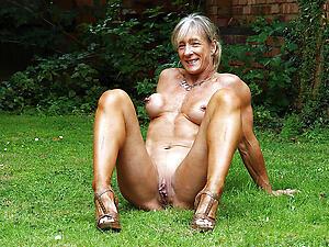Naked muscle mature Bohemian amateur porch