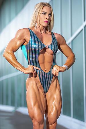 Horny muscle mature slattern pics