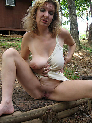 Amateur pics of homemade grown up pussy