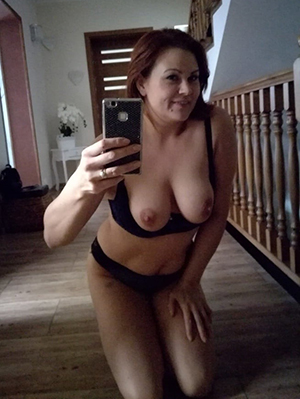 Naughty homemade mature pussy naked foto