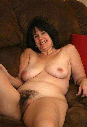 Bush-leaguer pics of sexy unshaved nude women
