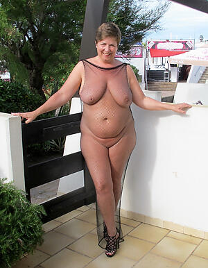 Nude mature women in sight picturez
