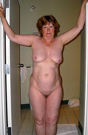 Naughty hot nude mature women photo