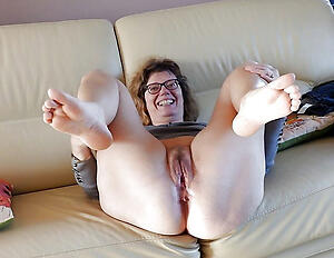 Reality mature wife feet naked pic
