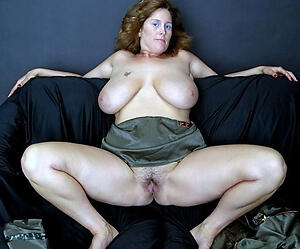 Hot porn of sexy german mature pussy
