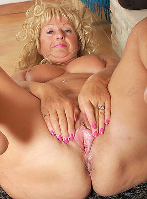 Nude adorable mature pussy free photo
