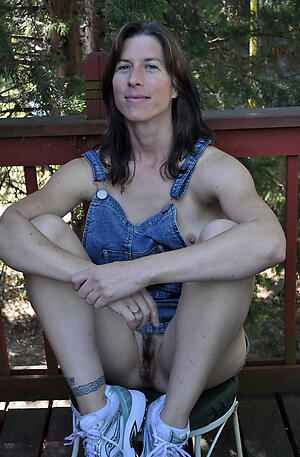 Amateur pics of grown up pussy over 40