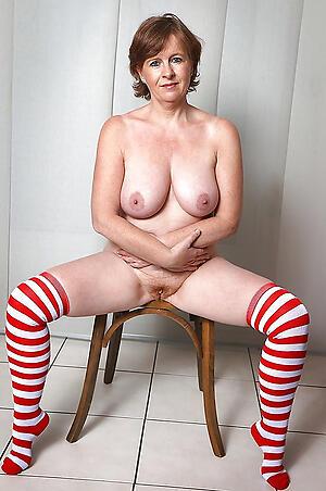 Naked mature milf renounce 40