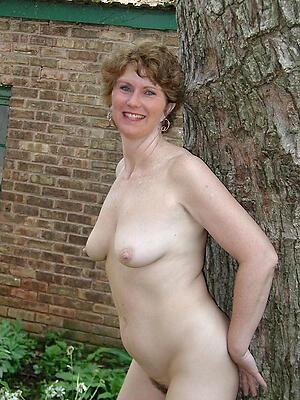 Hot porn of  40 matured women