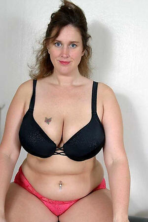 Inviting chubby mature pussy naked pics