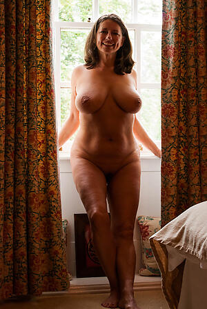 Amateur pics of nude grown-up unsocial homemade