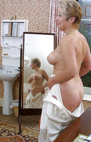 Real mature antisocial homemade pussy pics