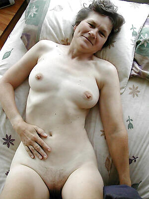 Beautiful mature nude women pics