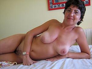 Nude amateur mature women Bohemian gallery