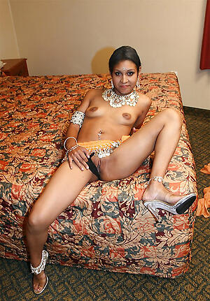 Hot full-grown indian pussy slut pics
