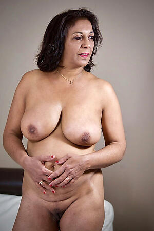 Sexy mature indian pussy porn pics
