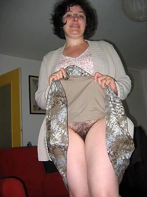 Unclothed mature women upskirt photograph