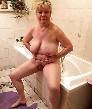 Naked homemade mature porn