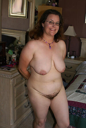 Amateur pics be advantageous to mature slut wife
