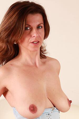Hot porn of mature milfs over 40