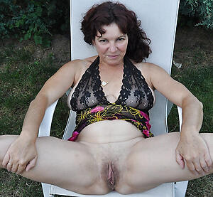 Gorgeous real mature singles nude