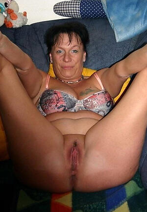 Amateur pics of pussy tits mature
