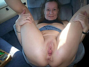 Nude mature cheer up pussy
