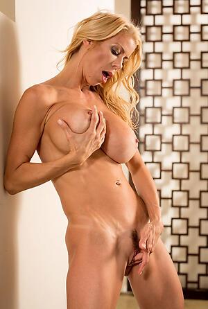 Xxx mature muscle unsubtle sex pics