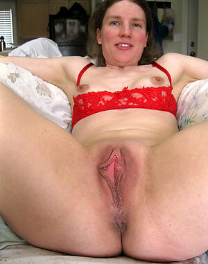 Pretty aged mature pussy