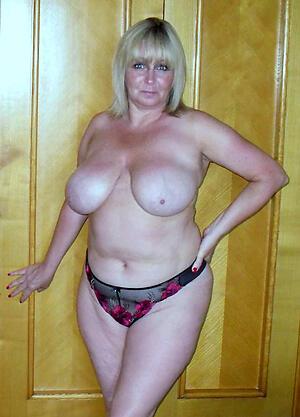 Broad in the beam mature women porn pics
