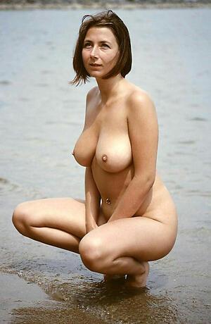 Xxx mature women on beach