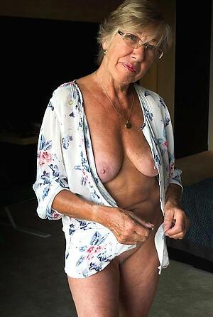 Bonny hot mature granny