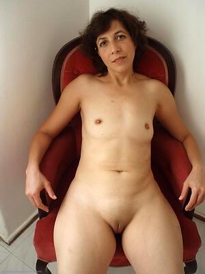 Amateur mature small tits slut pics