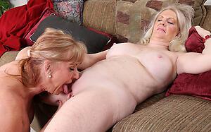 Naked mature lesbians kissing